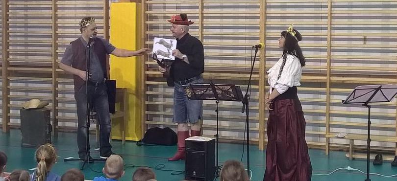"""""""Kot w butach"""" w Szkole Podstawowej w Konikowie"""